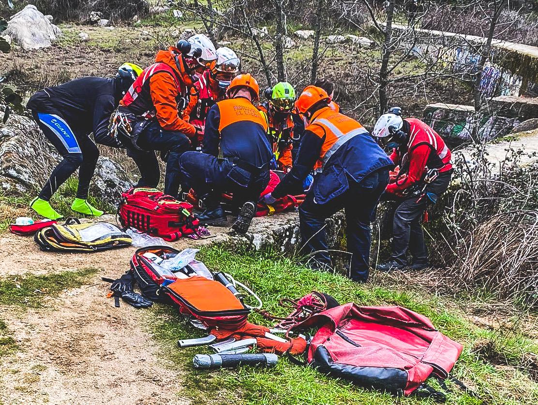 rescate ciclista los arroyos